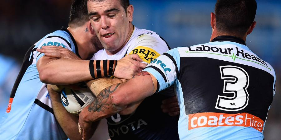 Cowboys re-sign Linnett for two more years