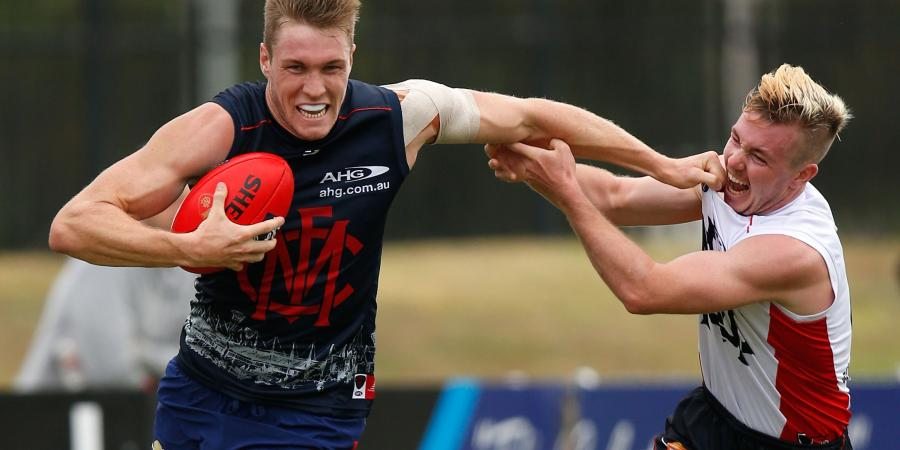 Roos sees long McDonald stay with Dees