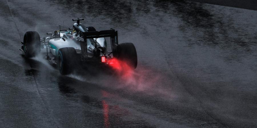 Lewis Hamilton wins dramatic Brazilian Grand Prix