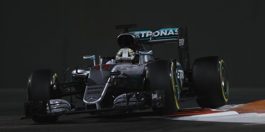Mercedes continue to dominate in 2016 finale