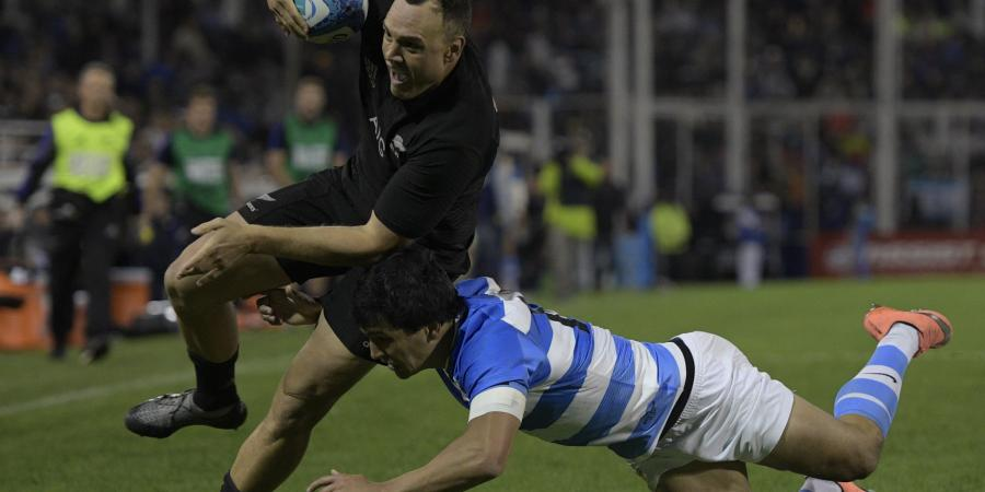 All Blacks crush Pumas in Buenos Aires