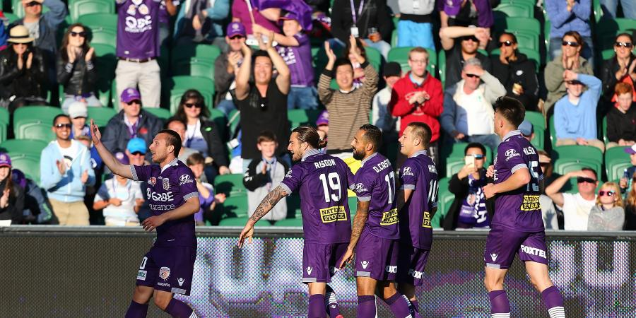 Glory beat Phoenix for first win of season