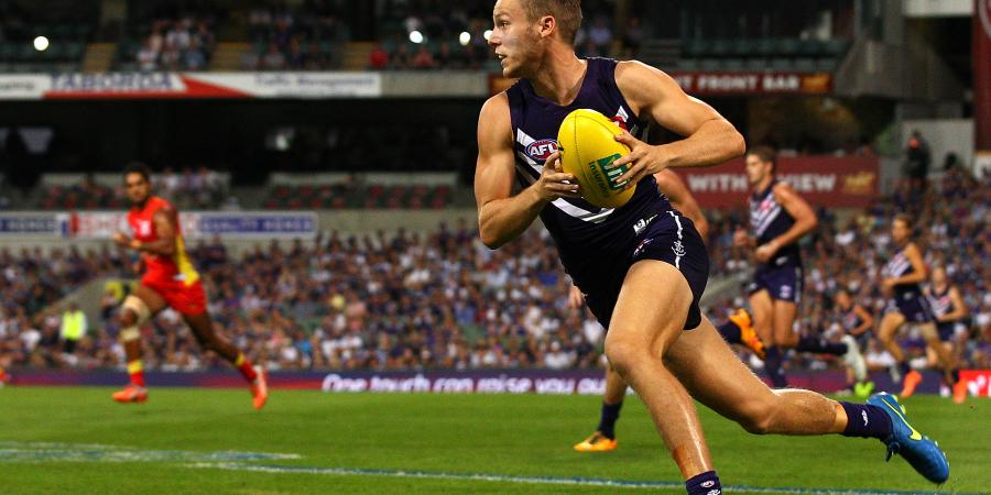 Freo fend off interest to re-sign Langdon