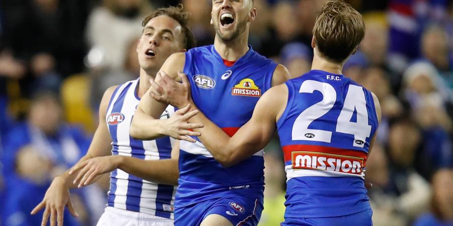Saved By The Whistle: Controversial Calls The Difference As Bulldogs Pip Kangaroos